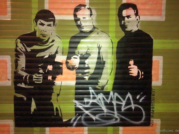 Graffiti: Spock, Kirk und Scotty mit Phasern